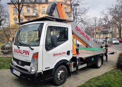 668-Fahrzeugbeschriftung-Transporterdesign-Arbeitsbuehne-Beschriftung
