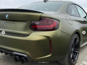 628-Car-wrapping-Autofolie-starke-Woelbungen-kleben