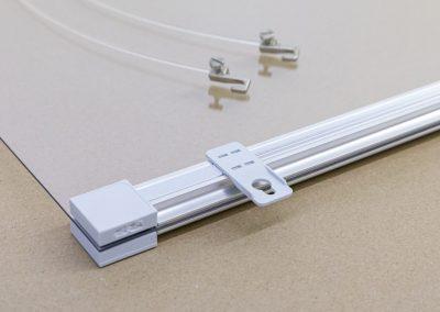 Corona-Wand-Wall-20-Schutzwand-Spuckschutz-Acrylglas-Schienensystem-Decke-Haken