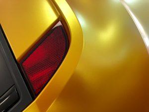 628-Autofolie-Avery-metallicsatin-energetic-yellow-Flip-Flop-gold