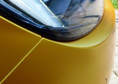 628-Autofolie-Avery-metallicsatin-energetic-yellow-Stossfaenger