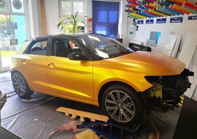 628-Autofolie-Carwrapping-gelb-metallicsatin-Fahrzeugvollfolierung