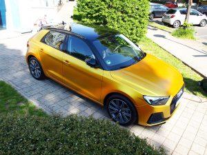 628-Autofolie-Komplettfolierung-ausser-Dach-Yellow-metallic