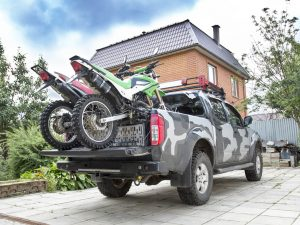 truck-Autofolie-Carwrapping-Jeep-Camouflage-Fahrzeugdesign-Armee-Militaer