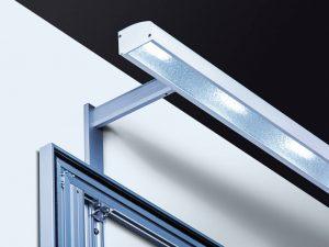 Beleuchtung-Wandschild-Lichtleiste-lang-Abstandshalter