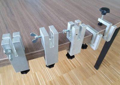 Klemmhalter-Halterung-flexibel-Corona-Trennscheibe-Schutzwand-Klemme-Tisch-Theke