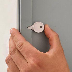 Spender-Hygieneschutz-Klapprahmen-Plakathalter-Sicherung-DIN-A2-frame-Infostaender-852