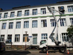 471-Sonnnenschutzfolie-Silber-Hell-Aussen-Gebaeudefenster