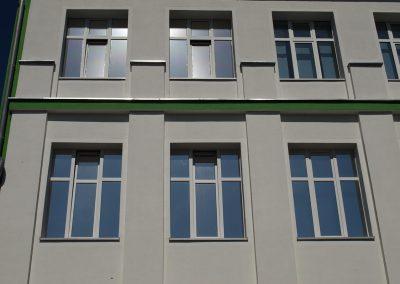 471-Sonnnenschutzfolie-Silber-Hell-und-Dunkel-Aussen-Fenster