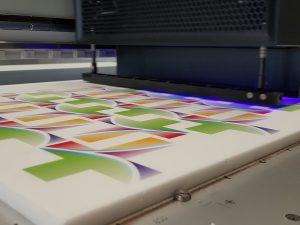 530-Werbemittel-Acrylglas-Plexiglas-Plattendirektdruck
