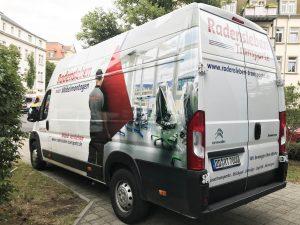679-Fahrzeugbeschriftung-Fahrzeugflotte-Digitaldruck-Moebelmontage-Radensleben