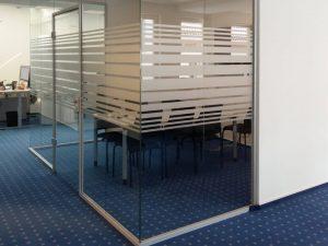681-Glasdekorfolie-Sichtschutz-Fensterfolie-Blickschutz-Streifendekor