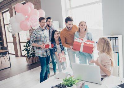 Luftballon-Ueberraschung-Geburtstag-nach-Wunsch-bedrucken-Firmenfeier-Betriebsfeier