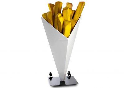 3-D-Figur-Plastik-Kundenstopper-Werbefigur-Pommes-frites-Tuete-quadratisch