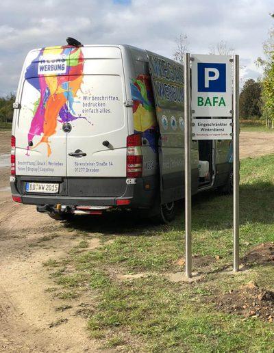 680-Aufsteller-Parkplatz-Beschilderung-Edelstahl-Montage-bundesweit