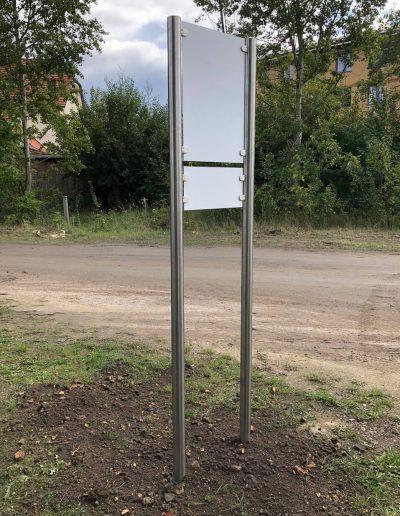 680-Aufsteller-Parkplatz-Beschilderung-Edelstahlhalterung-Montage