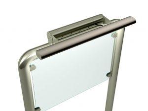 Aufsteller-Gestell-Infotafel-Schilder-Staender-Edelstahl-Beleuchtung-Einfach