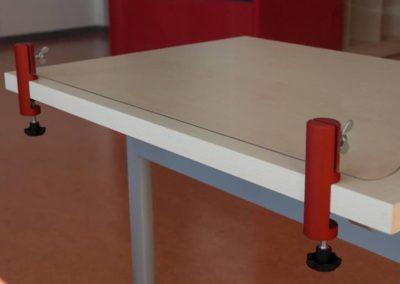 Klemmhalter-Halterung-Tischklemme-Rund-farbig-Corona-Trennscheibe-Schutzwand