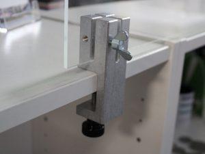 Klemmhalter-Tischklemme-Unihalter-Eckig-Corona-Schutzscheibe-Trennscheibe