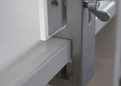 Klemmhalter-Unihalter-Eckig-Corona-Trennscheibe-Schutzwand-Plexiglas