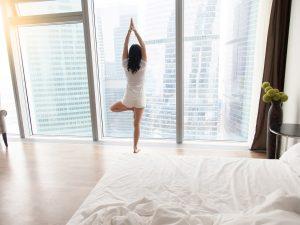 Sichtschutzfolie-weiss-schaltbar-Wohnung-Haus-Heim-Schlafzimmer