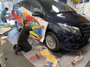 687-Fahrzeugbeschriftung-Klebemontage-Werkstatt-wegaswerbung-Carwrapping