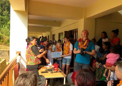 Spendengelder-fuer-Schule-Nepal-Bergdorf-in-Muchchok-im-Gorkha-Distrikt