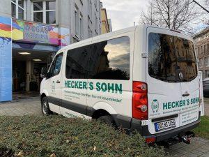 688-Fahrzeugbeschriftung-Scheibentoenung-Transporter-Heckers-Sohn