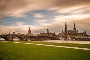 Bild-0116-Skyline-Silhouette-Canalettoblick-Elbe-Dresden