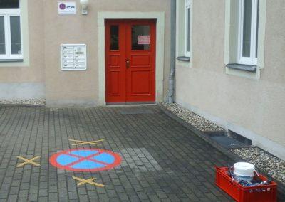 676-Stellflaechen-Parken-verboten-Parkverbotszeichen-Schablone-malen