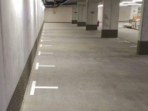 691-Parkplatz-Markierung-Farbe-Bodenmarkierung-Stellflaechen-Ecken