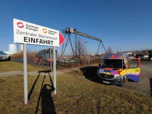 693-Neubeschriftung-Einfahrtsschild-Wegweiser-Schild-Pfeil