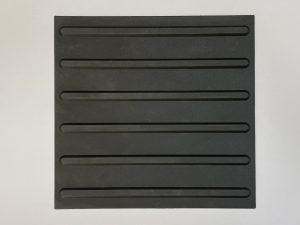 1010-taktile-Bodenleitsystem-Aufmerksamkeitsfeld-Platte-30x30cm-6-Linien-16mm-schwarz