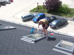 476-Sonnnenschutzfolie-Silber-Mittel-Aussen-Dachfenster-Folierung