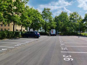 1011-Airless-Farbspruehsystem-Parkplatzmarkierung-Markierungsarbeiten-spruehen