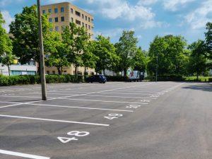 1011-Airless-Farbspruehsystem-Parkplatzstellflaechen-Farbmarkierung-Spruetechnik