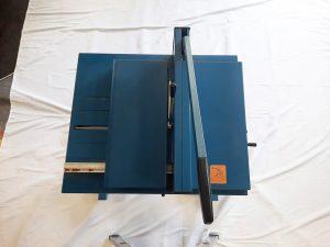 Gebrauchter-Stabelschneider-600-Blatt-Papier-schneidern