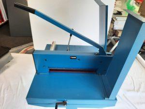 Gebrauchter-Stabelschneider-Druckerei-Dresden-Drucksachen-online-guenstig-kaufen