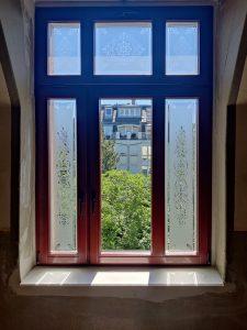 700-Glasdekor-Klebefolie-Jugenstil-Motiv-Blumen-Treppenhaus-Dresden-Striesen
