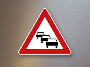 Verkehrsschild-Verkehrszeichen-Gefahrenzeichen-Stau-124