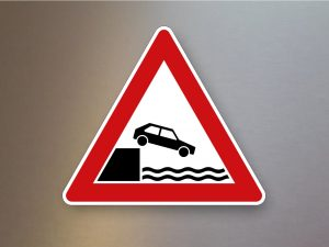 Verkehrsschild-Verkehrszeichen-Gefahrenzeichen-Ufer-101-53