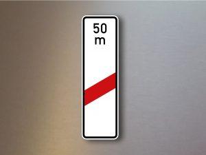 Verkehrsschild-einstreifige-Bake-mit-Entfernugsangabe-Aufstellung-rechts-162-11